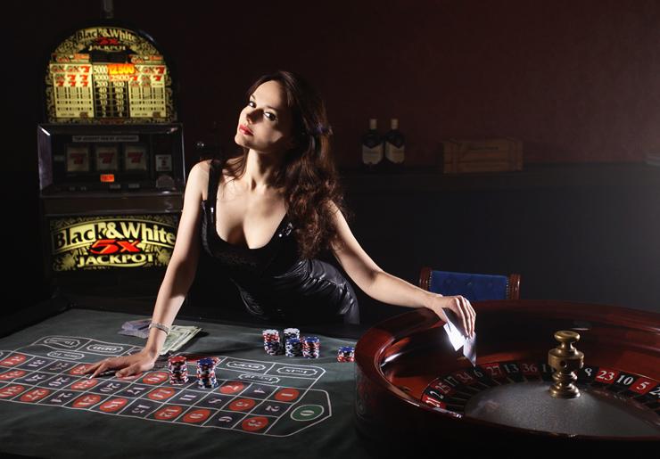 Flere kvinder spiller casino på nettet